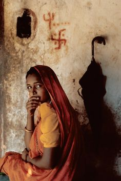 India girl - Steve McCurry