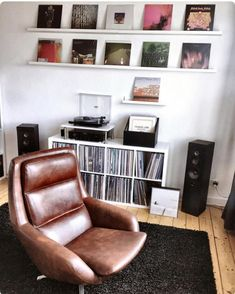 44 Trendy home studio music ikea record storage Home Music Rooms, Home Studio Music, Audio Studio, Music Bedroom, Music Corner, Room Interior, Interior Design, Design Interiors, Design Room