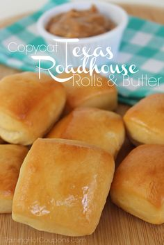 Copycat Texas Roadhouse Rolls & Cinnamon Butter _ One of my favorite restaurants EVER is Taxes Roadhouse…. Well, the ROLLS & cinnamon butter of course. Scones, Texas Roadhouse Rolls, Copy Cat Texas Roadhouse, Texas Roadhouse Cinnamon Butter, Logans Roadhouse Rolls Recipe, Texas Roadhouse Sweet Potato Recipe, Texas Roadhouse Recipes, Biscuits, Croissants