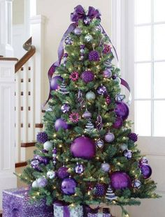 Árvores de Natal -arvore de natal roxa e lilas