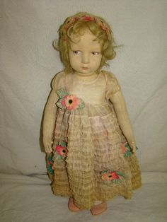 my dream is to own a beautiful Lency doll one day :)