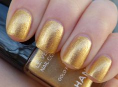 Swatch: Chanel - Gold Fingers (Las Vegas de Chanel)