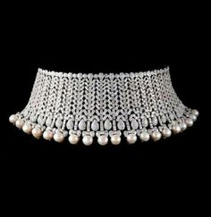 diamond necklace choker that are Stunning! Diamond Chocker Necklace, Diamond Bracelets, Diamond Jewelry, Pearl Choker, Bangle Bracelets, Pearl Jewelry, Fine Jewelry, Jewellery, Jewelry Necklaces