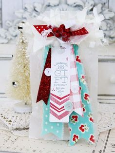I Chose This Gift Treat Bag by Melissa Phillips for Papertrey Ink (September 2015)