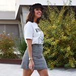 """153 Me gusta, 12 comentarios - África//EstiloSinDerroche (@estilosinderroche) en Instagram: """"Estampado cuadro de gales 🖤 #estilosinderroche Americana #primark    Camiseta y Mom Jeans #zara . .…"""""""