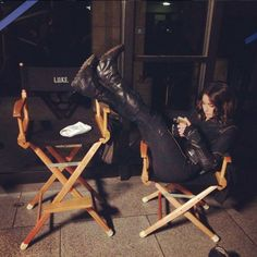 Agents of Shield season 3 behind the scenes skye / daisy whole bennet funny Agents Of Shield Daisy, Agents Of Shield Seasons, Marvels Agents Of Shield, Marvel Comics, Marvel Memes, Best Tv Shows, Best Shows Ever, Chloe Benett, Shield Cast