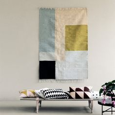 FERM LIVING KELIM CARPET : kelim rug with a significant graphic touch and colour palette. Rosa Sofa, Tapis Design, Deco Boheme, Square Rugs, Blog Deco, Large Rugs, Shop Interior Design, Weaving Techniques, Modern Rugs