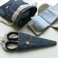 Набор рукодельницы: игольница, мешочек для хранения пуговиц и ниток и чехол для ножниц Set needlewomen: igolkina, a pouch for storing buttons and threads and the case for scissors