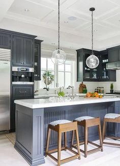 Which Cabinet Door Style Is Right For Your Kitchen? Blue Gray Kitchen Cabinets, Grey Kitchen Island, Kitchen Cabinets In Bathroom, Kitchen Cabinet Colors, Kitchen Decor, Navy Kitchen, Kitchen Ideas, Shaker Kitchen, Kitchen Tray