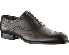 Louis Vuitton Men's Mexico zip Shoes in Waxed Perforated Leather This modern zip-up richelieu in perforated calf leather gives a stylish hint to both bus