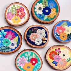 Stone Painting, Diy Painting, Painting On Wood, Rock Crafts, Diy And Crafts, Arts And Crafts, Wood Slice Crafts, Creation Deco, Wood Coasters