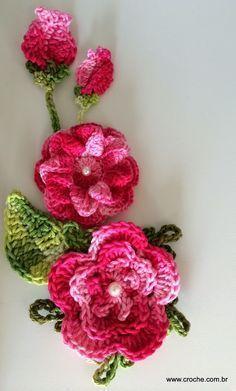 Flor para aplicação – Passo a passo | Croche.com.br                                                                                                                                                     Mais