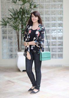 Jeans and kimono http://www.justlia.com.br/2014/06/look-do-dia-quimono-floral