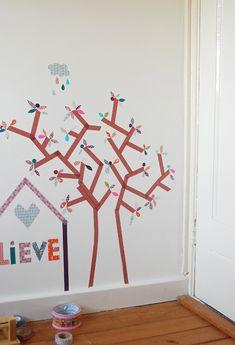 DIY: Dibujar árboles en la pared con washi tape
