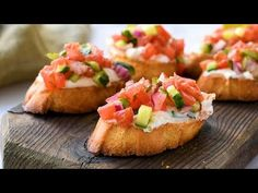 Greek Bruschetta With Feta – This great appetizer recipe is toasted bread topped with a creamy feta spread and topped with crunchy veggies coated in Greek vinaigrette. recipes videos Greek Bruschetta With Feta Tapas Recipes, Greek Recipes, Shrimp Recipes, Italian Recipes, Appetizer Recipes, Dinner Recipes, Cooking Recipes, Cooking Chef, Greek Vinaigrette