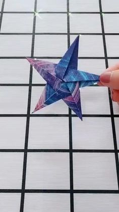 How to make origami easy – over 100 origami tutorials for all ages – Archzine.fr Origami is a good project … Paper Flowers Craft, Paper Crafts Origami, Paper Crafts For Kids, Diy Paper, Origami Flowers, Diy Crafts Hacks, Diy Crafts For Gifts, Creative Crafts, Fun Crafts