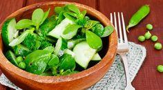 Semizotu salatası yapmanın tam zamanı. 100 gramında sadece 32 kalori olduğunu söyleyen Acıbadem Altu...