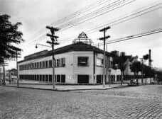 1952 - Rua Clélia, 93 - bairro da Pompéia com a Indústria Ibesa Gelomatic (refrigeradores). Atualmente é o SESC Pompéia.