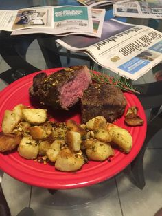 [Homemade] Sous Vide New York Strip steak with Extra-Crunchy Rosemary Garlic Roasted Potatoes
