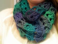 Broomstick Lace Infinity Scarf ❤ http://www.youtube.com/watch?v=ZFC5wGG63_s ❤ http://www.bhookedcrochet.com/2014/01/08/broomstick-lace-infinity-scarf/
