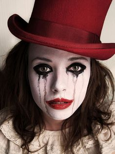 The Top Hat Diaries - Halloween makeup Creepy Doll Makeup, Creepy Dolls, Halloween Face Makeup, Creepy Doll Costume, Mime Costume, Halloween Bonito, Looks Halloween, Halloween Party, Halloween Circus