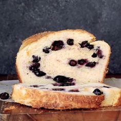 Blueberry Brioche Recipe by Tasty Delicious Desserts, Dessert Recipes, Yummy Food, Brioche Recipe, Brioche Bread, Sweet Bread, Love Food, Food Videos, Sweet Recipes
