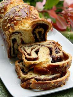 COZONAC CU NUTELLA - Rețete Fel de Fel Loaf Cake, Sweet Memories, Apple Pie, Baked Goods, Spices, Food And Drink, Baking, Breakfast, Desserts