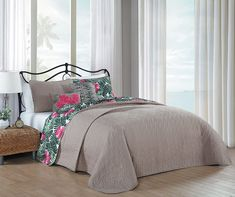 Avondale Manor Tropical Paradise 5 Piece Quilt Set, Queen, Pink/Green ** Details can be found by clicking on the image. (This is an affiliate link)