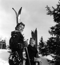 Deux skieurs heureux, Megève - 1936