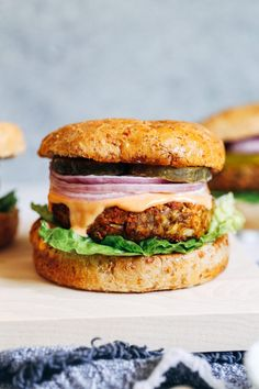 LOVED—- Classic Lentil Burgers- made with wholesome ingredients, these veggie burgers have a classic flavor that pairs well with any toppings. Each burger packs of the RDI for iron and 12 grams of protein! (vegetarian with vegan and gluten-free option) Lentil Burgers, Veggie Burgers, Vegan Lentil Burger, Beef Burgers, Best Lentil Burger Recipe, Cooking Burgers, Burger Bun, Burger Food, Mini Burgers