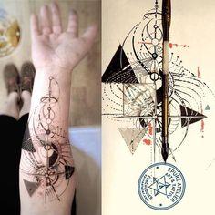 #geometric #geomatrictattoo #epureatelier #marieroura #finelinetattoo…