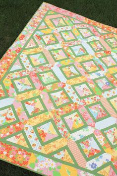 Diary of a Quilter - a quilt blog: Vintage-Sheet inspired quilt finished! | #quilt #vintage