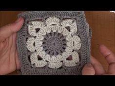 CROCHET: How to crochet a granny square for beginners - Crochet Rugs Point Granny Au Crochet, Poncho Crochet, Crochet Gloves Pattern, Crochet Square Patterns, Crochet Diy, Crochet Motifs, Crochet Blocks, Crochet Mandala, Crochet Squares