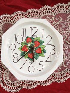 Vintage Ceramic Strawberry Kitchen Wall Clock WORKING! #Spartus