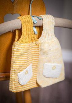 Strikket vest med lommer i front i Mayflower Merino The Collection uldgarn