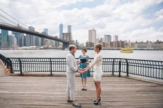 A Destination Elopement in New York City | Sascha Reinking Photography | www.simplyelope.com