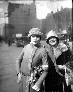 Candid shot of silent movie actresses Theda Bara & Norma Talmadge - 1926