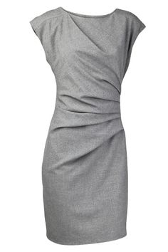 #Simple gray dress. I like how it's flattering in fit without being skin tight. Rushing is awesome!  grey dress #2dayslook #greyfashion   www.2dayslook.com