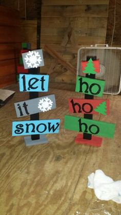 Pallet trees Do it with Anna Christmas Wood Crafts, Pallet Christmas, Noel Christmas, Christmas Signs, Outdoor Christmas, Rustic Christmas, Christmas Projects, All Things Christmas, Winter Christmas