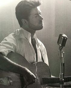 All About George Michael George Michael Music, Michael Love, George Michel, Peter Andre, Pop Rock Music, Tv Show Music, Old Singers, Beautiful Voice, Lady And Gentlemen
