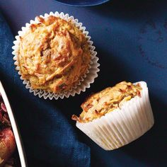 Carrot-Apple-Flax Muffins Made with carrots, apples, raisins, and cinnamon, these muffins are full of fall flavors. Fruit Recipes, Muffin Recipes, Recipies, Breakfast Muffins, Breakfast Recipes, Breakfast Ideas, Second Breakfast, Brunch Ideas, Breakfast Dishes