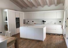 Kitchen Room Design, Modern Kitchen Design, Home Decor Kitchen, Luxury Kitchens, Home Kitchens, Küchen Design, House Design, Modern Interior, Interior Design