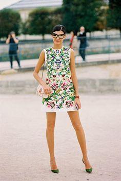Phong cách quần áo nữ độc đáo cho các nàng công sở năng động http://thoitrangvnxk.vn/14400-phong-cach-quan-ao-nu-doc-dao-cho-cac-nang-cong-so-nang-dong.html