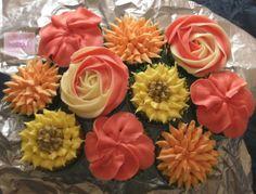 Flower Cupcakes   Fondant Fairytales: Mixed Flower Cupcakes