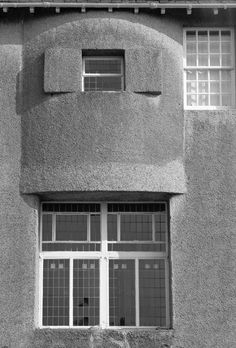 Hill House : View of bowed window feature, principal bedroom   Charles Rennie Mackintosh