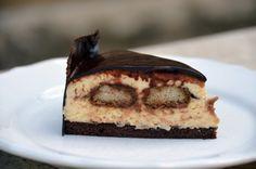 Tiramisu mousse torta mintás csokiköpenyben - recept  Tiramisu mousse cake