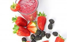 10 delicious fruit smoothies for weight loss Mixed Berry Smoothie, Mixed Berries, Weight Loss Smoothies, Fruit Smoothies, Fruit Salad, Strawberry, Cooking Recipes, Delicious Fruit, Food