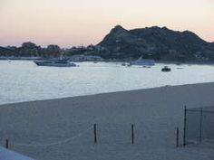 The bay around CSL. For more information on hotels & resorts, go to http://www.cabosanlucas.net/accommodations/index.php #loscabos #cabo #cabosanlucas #baja #hotels #ai #resorts #mexico #bcs