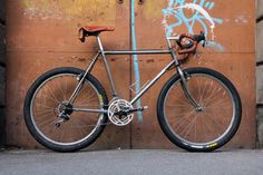 Velo Vintage, Vintage Bikes, Off Road Cycling, Stunt Bike, Urban Bike, Commuter Bike, Old Bikes, Bike Style, Retro