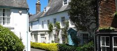 For great country cottages check out Mulberry Cottages. - Mulberry Cottages offers nearly 600 accommodations in the best UK locations for any sort of requirement.